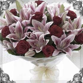 Дарить лилии