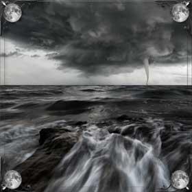 Дождь в море