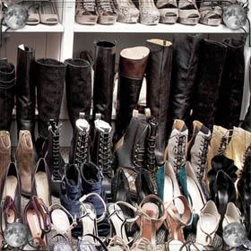 Ходить в одном ботинке