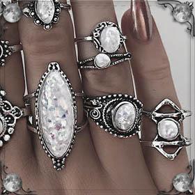 Искать обручальное кольцо