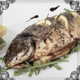 Кушать жареную рыбу