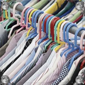 Много мужских рубашек