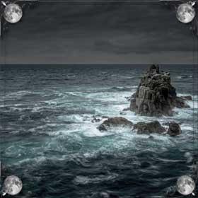 Мутная вода в море