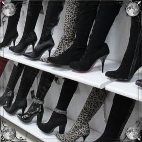 Одевать сапоги на ноги