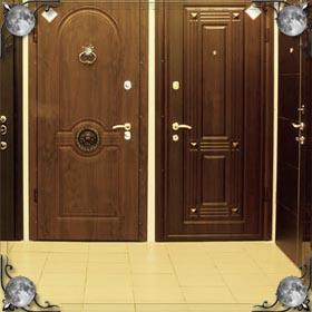 Открытая дверь дома