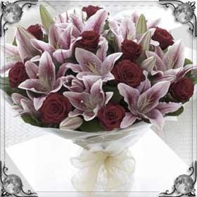 Подарили лилии