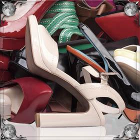 Подбирать обувь