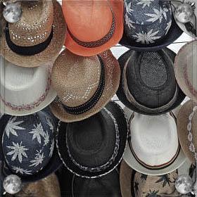 Примерять шапки