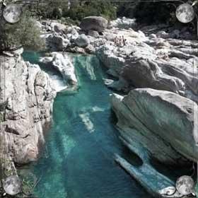 Прозрачная река