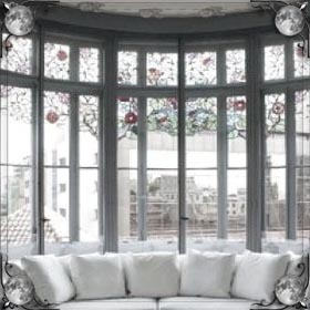 Разбитое окно в квартире