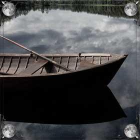 Река с лодкой