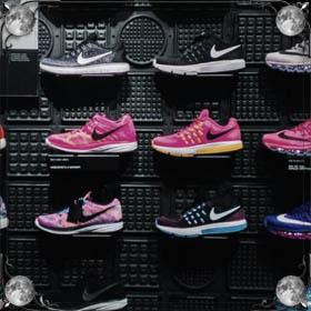 Шнуровать кроссовки