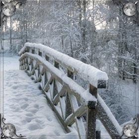 Снег и санки
