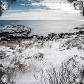 Снег в море