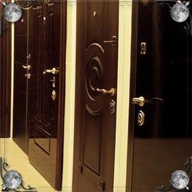 Снимать дверь с петель