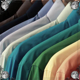 Стирать одежду руками