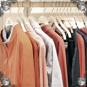 Стирать старую одежду