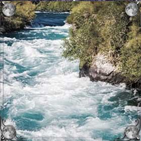 Уносит течением реки