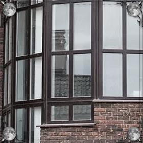 Вешать шторы на окна