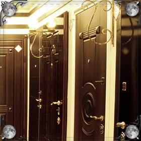 Закрытая дверь изнутри