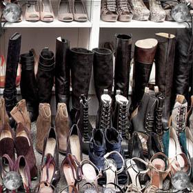 Зашнуровывать ботинки